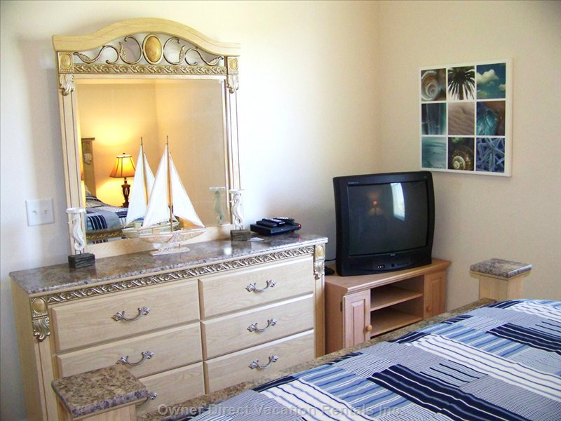 Seaside Bedroom Dresser, Tv W Cable Tv and Dvd Player