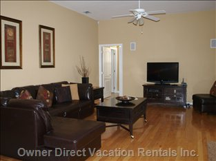 "Family Room with 40"" TV Overlooking the Pool Area"