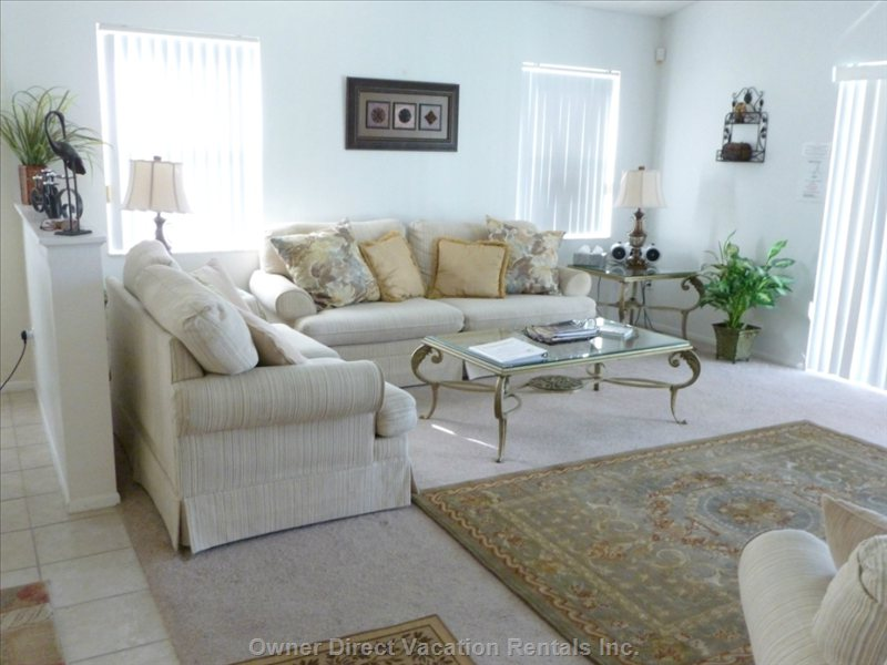Comfortable and Spacious Family Room