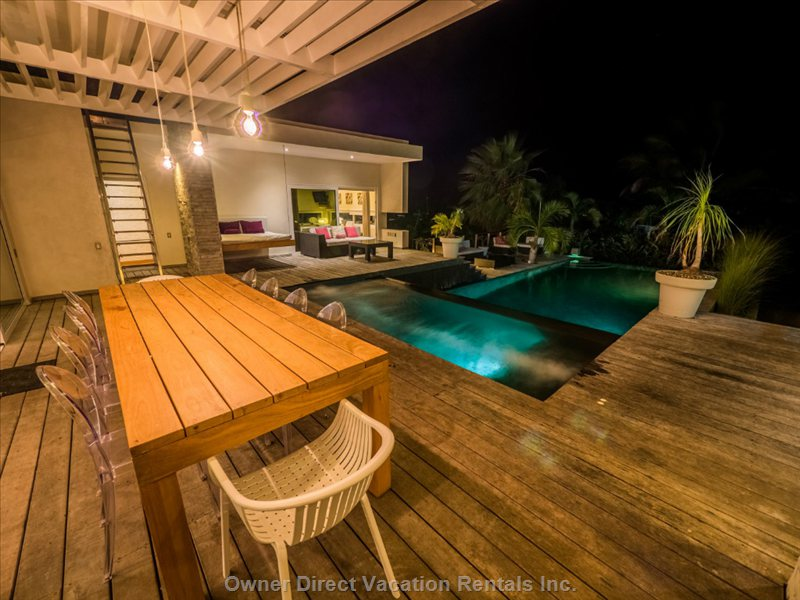 Main Deck at Night / Terrasse Principale de Nuit Casa Corazon