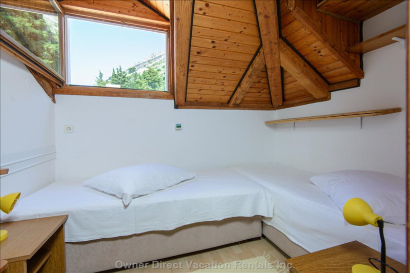 Small Doublebed Room