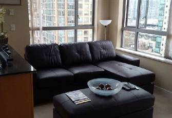 Corner suite in Eden, in the heart of Yaletown