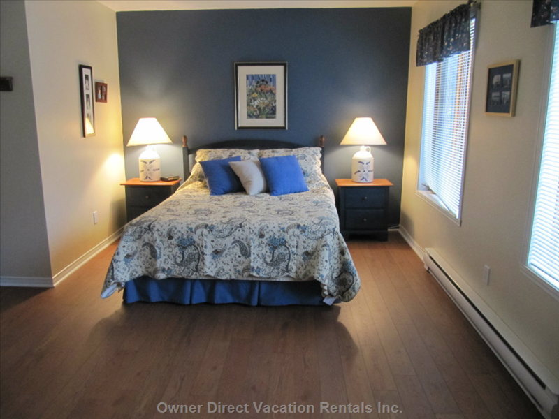 Master Bedroom Queen Size Upper Level