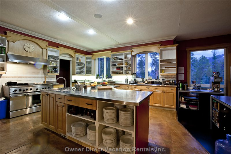 Kitchen - Large Commercial Kitchen for Self-Catering Or Catered Services.
