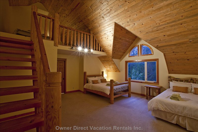 Pine Room - Sleeps 6 People with Ensuite.