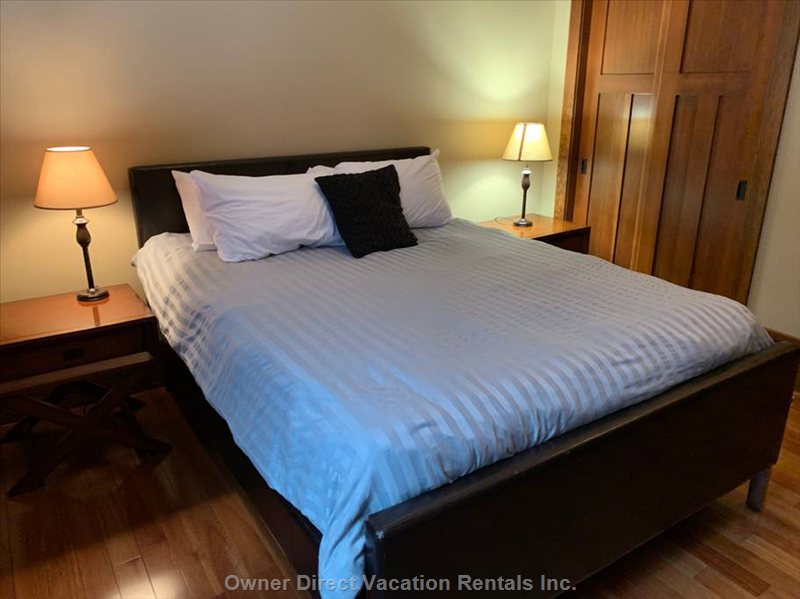 Bedroom 3 | Queen Bed