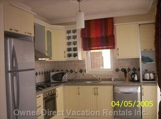 Fully Fitted Kitchen with Dishwasher!