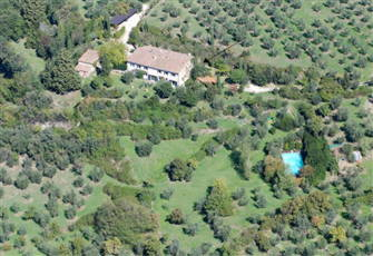 Experience the Florence Countryside: Independent Apartment with Pool.