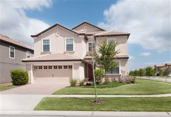 Beautiful Home Located in  the Luxurious Champions Gate Minutes Away from Disney