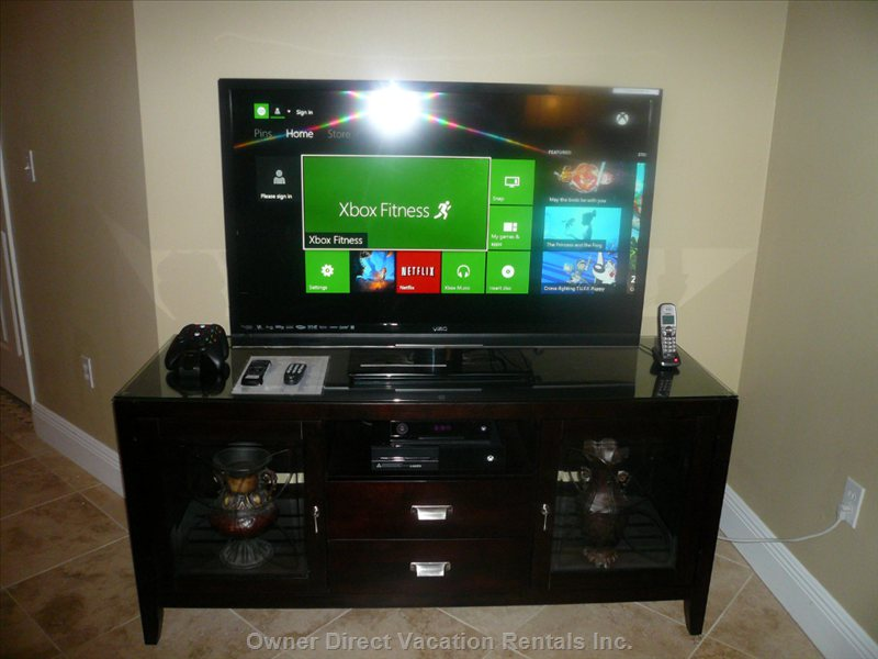 Cutting Edge Xbox one W/ Kinect, 55in Flatscreen Tv. You Can Log in and Play on your Own Games Or Use our Make a Guest Account.
