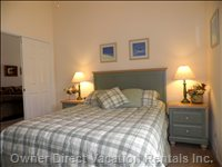 Second Queen Bedroom - Sumptuous Mattress, Ceiling Fan, Alarm Clock and Large Walk-in Closet. Dvd Player and Hdtv