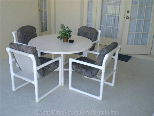 Patio Table & Chairs on Lanai