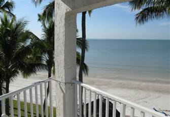 100% Gulf Front Unit with Views of the Beach from Every Window!
