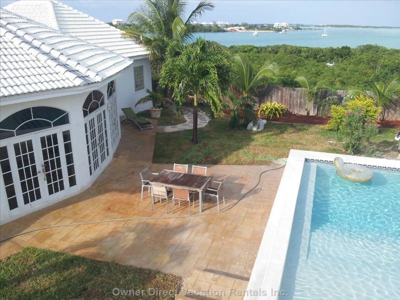 Bahamas - Stunning 5-Bedroom Villa, Sleeps 10 People!