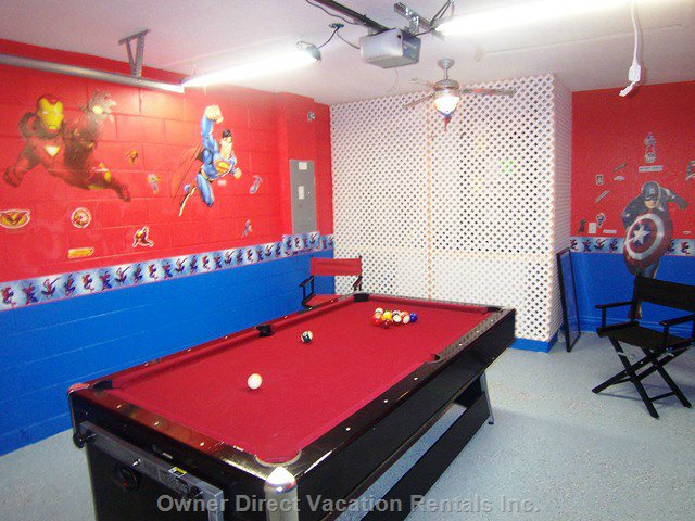 Themed Games Room.  Pool/Air Hockey Table.