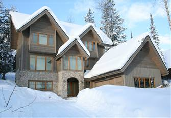 Bright and Stylish Mountain Home Only 100 Metres from the Piste