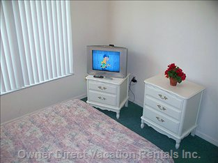 Queen Bedroom with Cable TV.