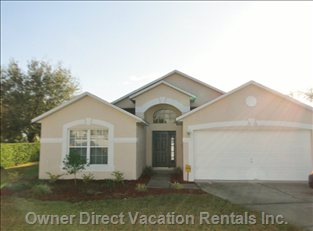 Beautiful 3 Bedroom Home, on Corner Lot, Extended Pool Deck, Overlooking the Golf Course.......