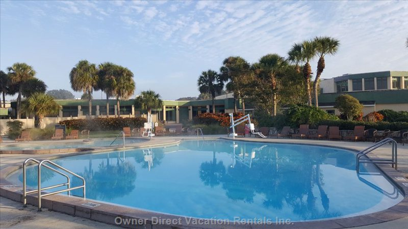 The Pool and Hot Tub at Grenelefe is a Stroll from the Condo