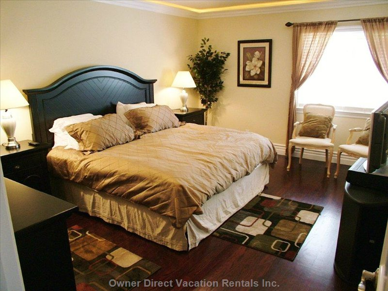 Spacious Main Bedroom