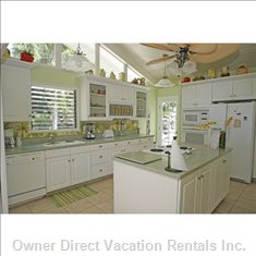 Beautifully Equipped, Large Kitchen with Island