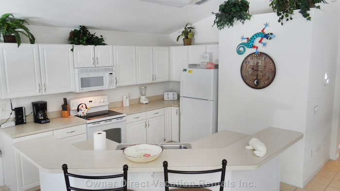 Fully Equipped Kitchen with Eating Bar