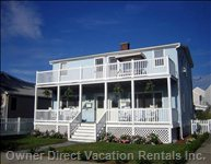 House - Beautiful Shore House 1 Block from Water. Furnished W/ Great Amenities. - Highlands, New Jersey, Vacation House - Walk to Waterfront Dining, Just Minutes to the New York City Ferry.