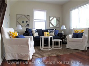 Spacious Living Room - Spacious Living Room with Hardwood Floor Flooded with Light
