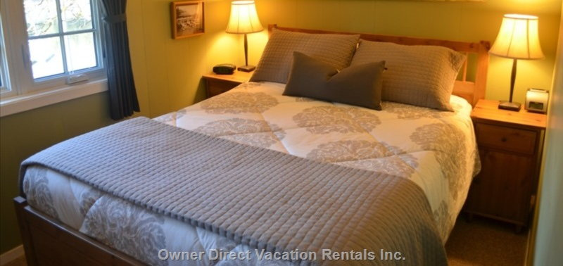 Master Bedroom with a Very Comfortable Queen Size Mattress