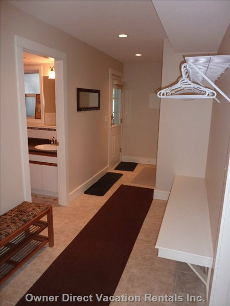 Private Suite Entry Way with Sky Storage