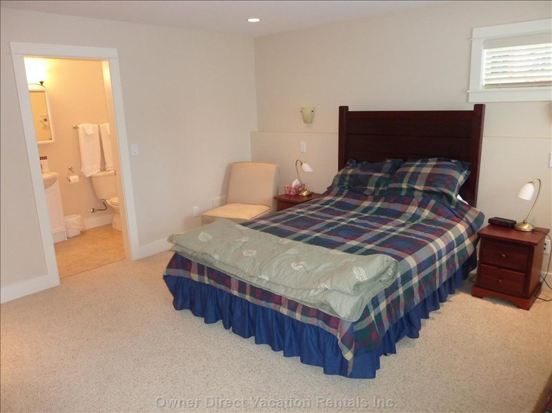 Large Master Bedroom with Ensuite, Alternative View