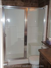 Main Bathroom with 5ft Shower