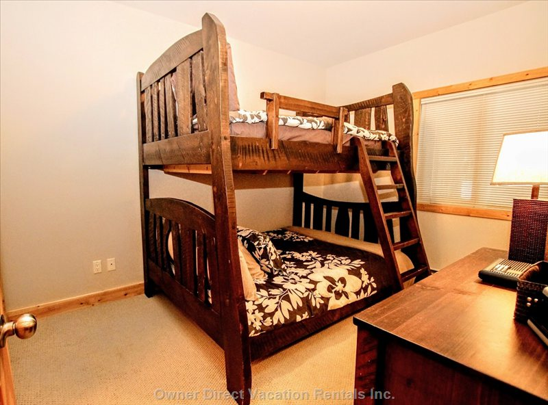 2nd Bedroom - Queen/Double Bunk Bed