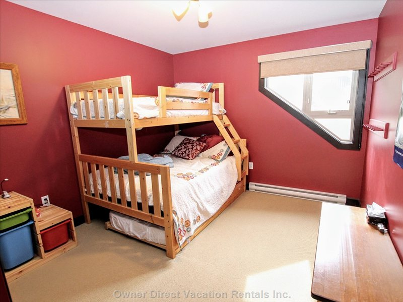 3rd Bedroom - Double/Single Bunk Bed and Single Trundle Bed