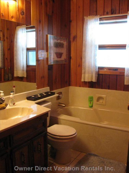 Main Floor Bathroom with Soaker Tub