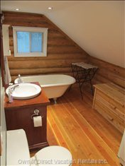 Bathroom with Cast Iron Claw-foot Tub (Upstairs)