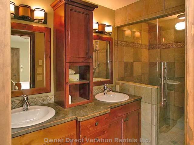 Ensuite W/Double Shower