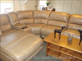 Living Room - Bell Satallite, Radio, Playstation 2 over 40 Games, Wifi High Speed Internet, DVD, Blue Ray, mp3, Vhs,