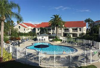 2 Br, 2 Ba, Sleeps 4, Poolside Condo with all the Amenities