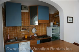Beautiful and Furnished Kitchen with Oven and Dishwasher