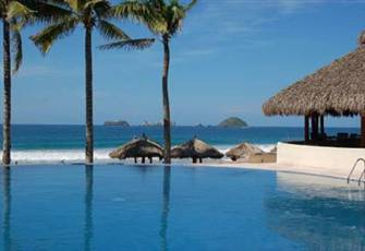 Amara Ixtapa Luxury Beachfront Two Story Penthouse with Amazing Views!
