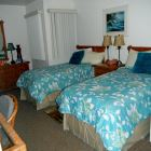 Guest Bedroom with 2 Twin Beds.