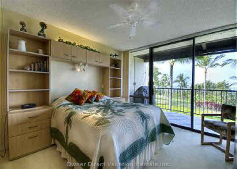 Master Bedroom New Queen Bed Amazing Views from 2 Slide Doors