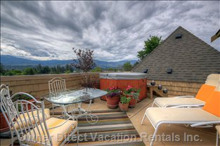 Private Hot Tub Deck - Rooftop Deck, Private Hot Tub, Great Views!