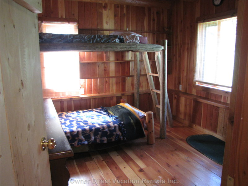 Bedroom W/Log Beds