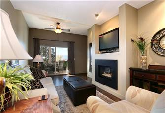 Suite with Lake and City Views and Minutes to Downtown