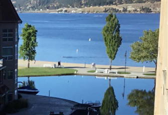 Modern 3 Bedroom Condo at Discovery Bay - Close to Downtown and Okanagan Lake!