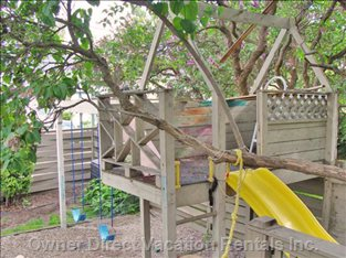 Tree Fort and Swing Set