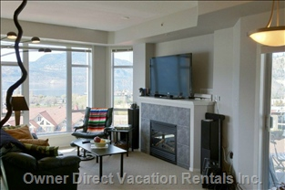 Living Room Overlooks Lake Okanagan. Watch the Fireworks, Sailing, and other Waterfront Events