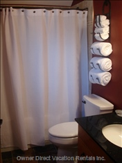 Upstairs Bathroom (Soaker Tub)